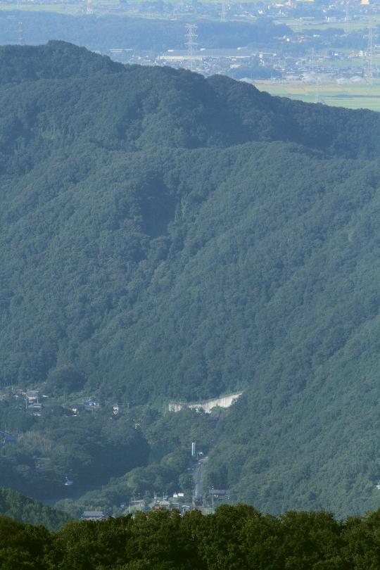 緑の山の向こうに秋の稲田が見えた - 2014年初秋・秩父 -  _b0190710_23484558.jpg
