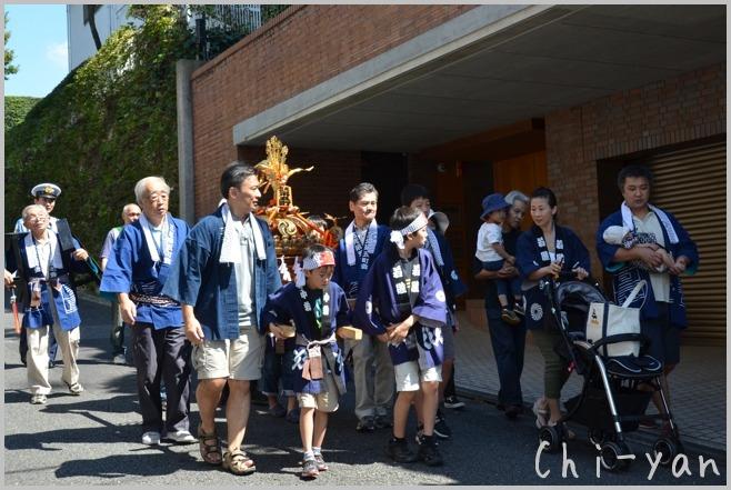 町内の秋祭り_e0219011_12265520.jpg