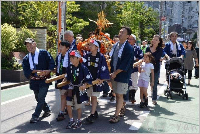 町内の秋祭り_e0219011_12272071.jpg