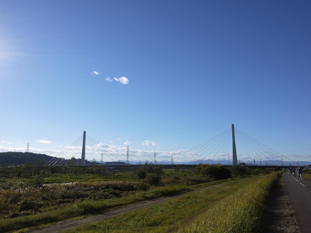 河川敷と橋_e0216133_12503335.jpg