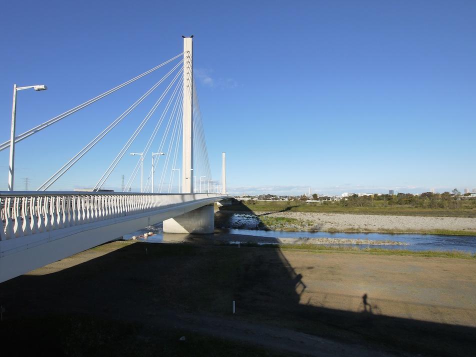 河川敷と橋_e0216133_12503769.jpg