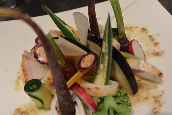 ヤリイカ炭火焼。焼けたイカの香りで野菜を食べてほしいのです。&9月16日(火)のランチメニュー_d0243849_043122.jpg
