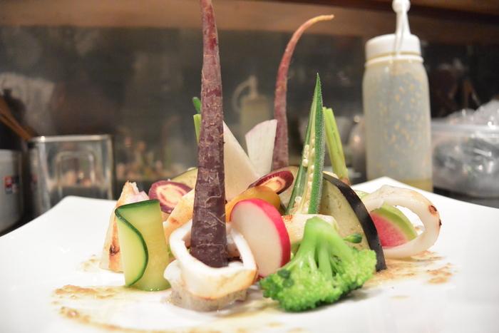 ヤリイカ炭火焼。焼けたイカの香りで野菜を食べてほしいのです。&9月16日(火)のランチメニュー_d0243849_045266.jpg