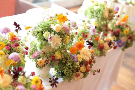 秋の装花 草花で、明るく楽しい結婚式の花に 幕張オレアジ様へ_a0042928_21404750.jpg