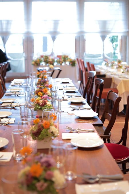 秋の装花 草花で、明るく楽しい結婚式の花に 幕張オレアジ様へ_a0042928_21425434.jpg