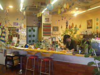 blog:刈谷カフェ・ネイション、抹茶のシフォンケーキ_a0103940_13375466.jpg