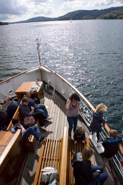 ウィンダミア湖を遊覧_a0257652_1815767.jpg