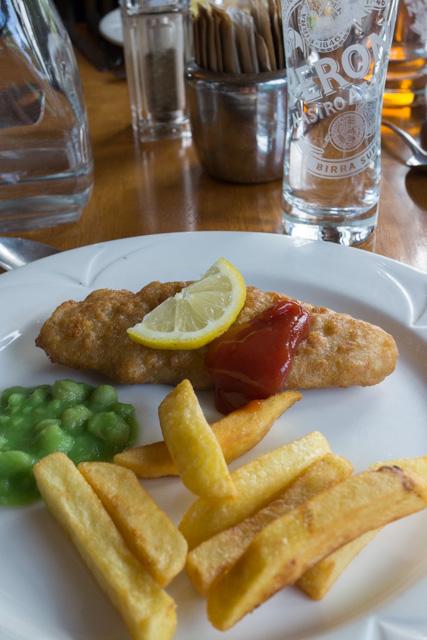 フィッシュ&チップスの昼食_a0257652_16235839.jpg