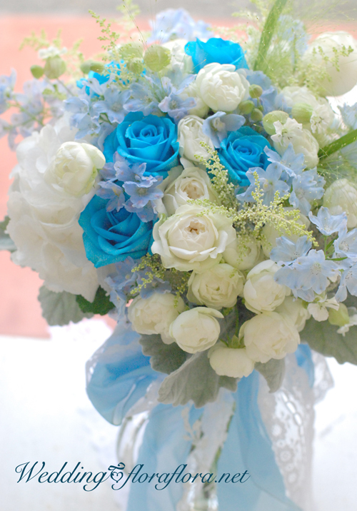 サムシングブルー青バラのブーケ 花時間ウェディング 連休明けの火曜日に_a0115684_12045007.jpg