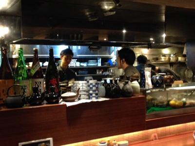 春吉店にて_f0232994_4373039.jpg