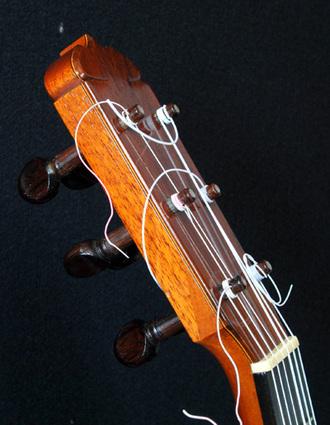 フラメンコギター 木ペグの操作性_c0330563_16115480.jpg