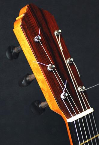 フラメンコギター 木ペグの操作性_c0330563_16115660.jpg