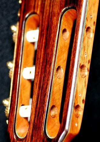 ラミレスギターペグの交換_c0330563_1613797.jpg