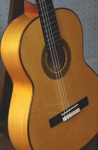 アマリア ブルゲフラメンコギターの詳細_c0330563_16141545.jpg