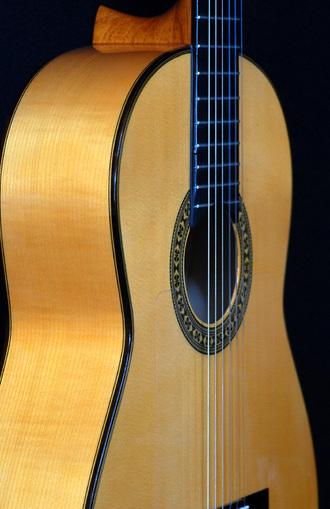 ホセ・アントニオ12Fフラメンコギター_c0330563_16145789.jpg