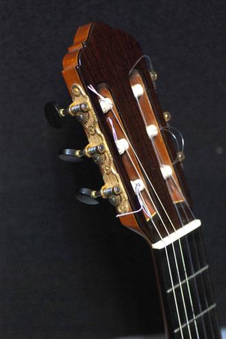 レスター・デボーフラメンコギターが入荷しました_c0330563_16151361.jpg
