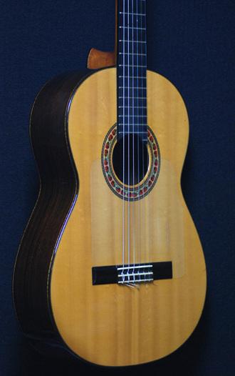 レスター・デボーフラメンコギターが入荷しました_c0330563_1615893.jpg
