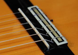 ホセ・アントニオのニューモデル フラメンコギターの入荷_c0330563_16162817.jpg