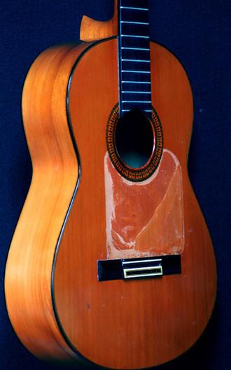 1966年ラミレスフラメンコギターゴルペ板の張替え_c0330563_16184399.jpg