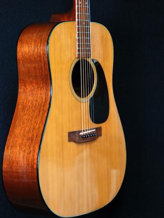 フラメンコギター専門店ですけど今年度はエレキとアコギの修理が殆ど・・・_c0330563_16192627.jpg