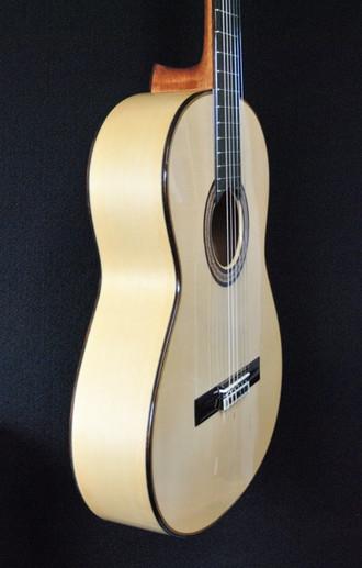 松岡良治中古のフラメンコギターの入荷です_c0330563_16213824.jpg