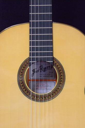 ラミレス久々の新作フラメンコギター_c0330563_16233059.jpg