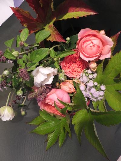 オークリーフ花の教室(落合さんの作品)_f0049672_188414.jpg