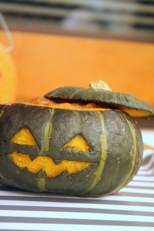 ハロウィンデコ・・・そのままかぼちゃのハンバーグ_f0141419_08125542.jpg