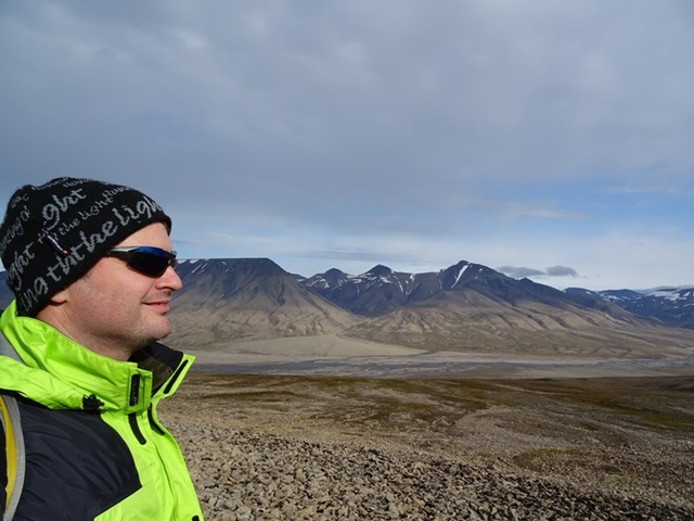 Svalbard(スヴァールバル諸島)ハイキング_e0182138_19104752.jpg