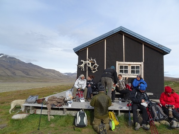 Svalbard(スヴァールバル諸島)ハイキング_e0182138_19163934.jpg
