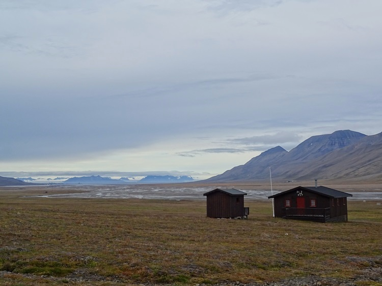Svalbard(スヴァールバル諸島)ハイキング_e0182138_1917423.jpg
