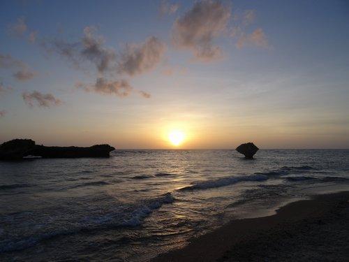 水平線に沈む夕日_f0178416_22334528.jpg