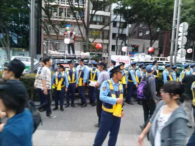沖縄で2回目の基地反対大規模集会、東京・渋谷で連帯集会・デモ_c0024539_2153552.jpg