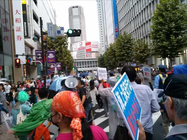 沖縄で2回目の基地反対大規模集会、東京・渋谷で連帯集会・デモ_c0024539_21535546.jpg