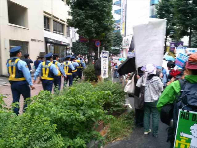 沖縄で2回目の基地反対大規模集会、東京・渋谷で連帯集会・デモ_c0024539_21535974.jpg