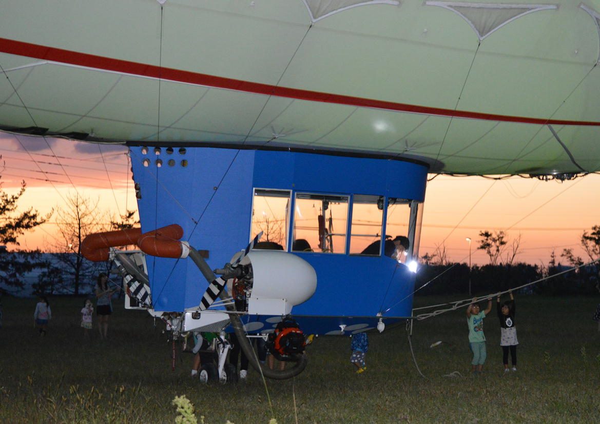 飛行船「スヌーピーJ号」_c0306646_1358356.jpg