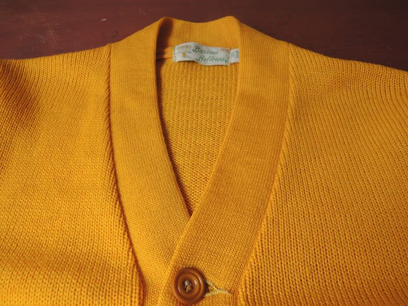 60S BUREAN HOLLOWAY LETTERED CARDIGAN--RECOMMEND--_c0176867_13434160.jpg