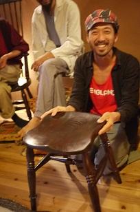 「椅子職人」の前でハシャイデみたら・・_f0226293_9261224.jpg