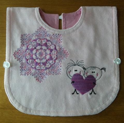 レース編みとハートがお揃い刺繍のタオルエプロン作りました♪_c0316026_17413332.jpg