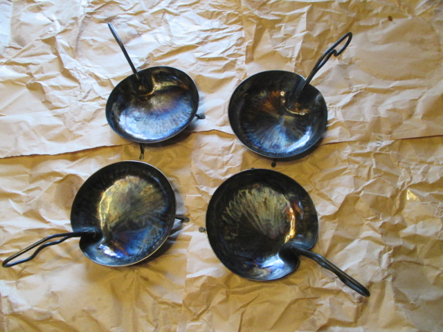 鉄フライパンの、蓮はパン_e0292359_9564441.jpg