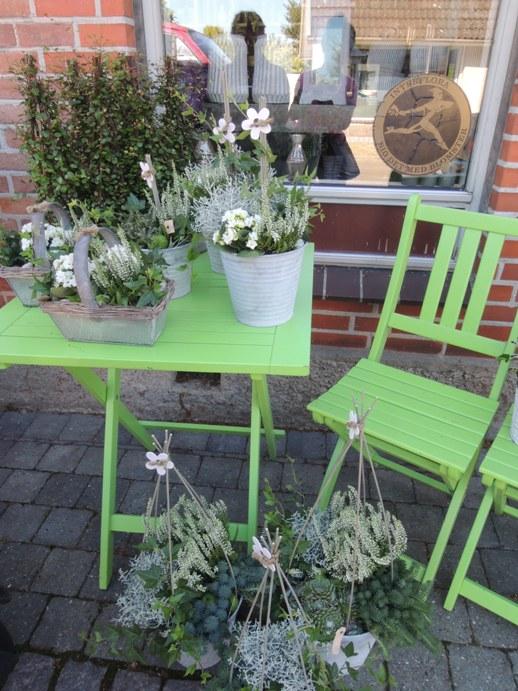 デンマークの小さな町の花屋さん・・・Forglemmigej_b0137969_17371986.jpg
