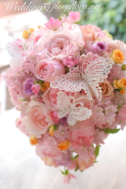 花時間ウェディングvol.4 幸せ運ぶ蝶々が舞うローズブーケ*飛び石連休 合間の月曜日_a0115684_22522830.jpg