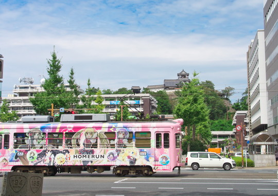 高知城と路面電車_f0266284_22521036.jpg