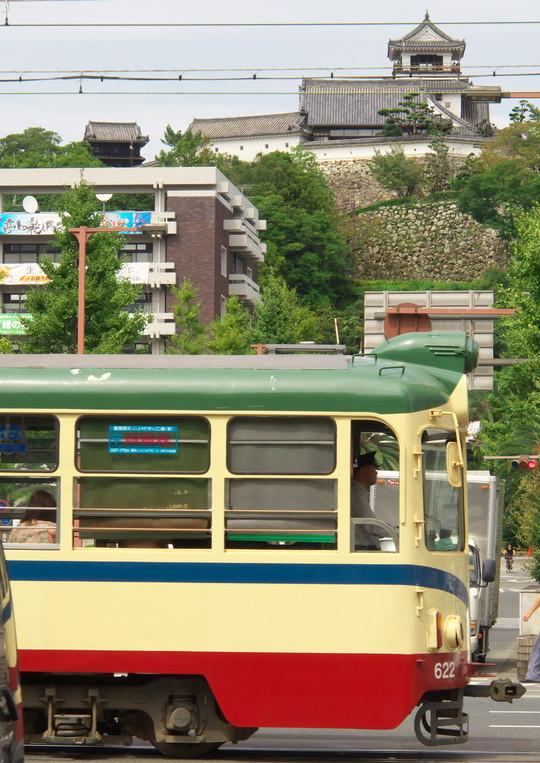 高知城と路面電車_f0266284_22521635.jpg