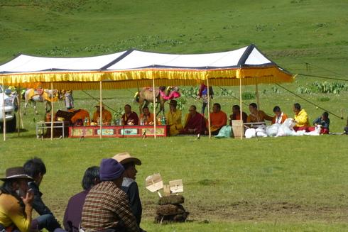 6日目:理塘(リタン) 鳥葬と競馬祭_a0207588_2132198.jpg