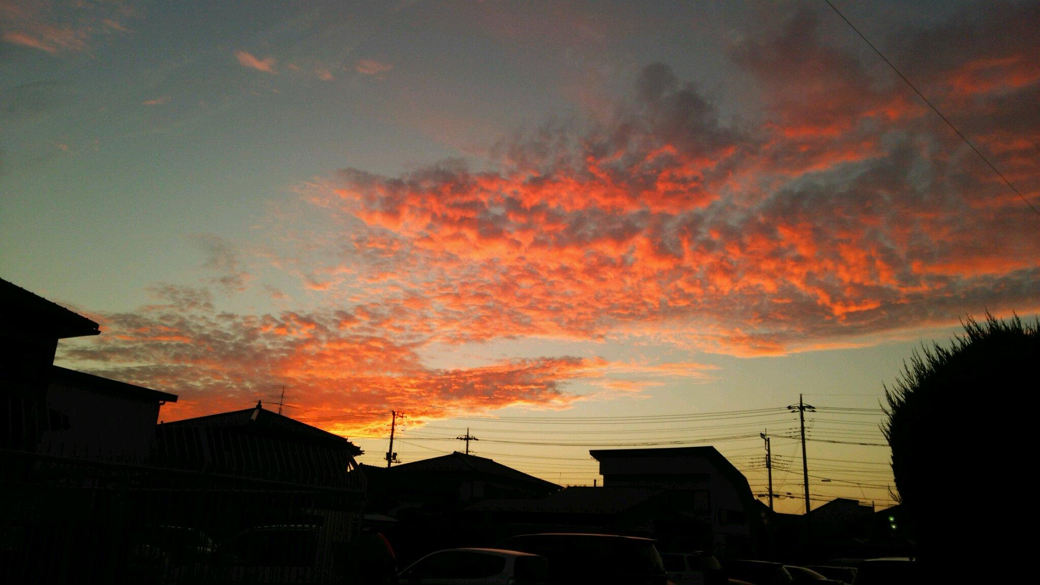 坂戸で、きれいな夕焼け。_e0119092_9551129.jpg