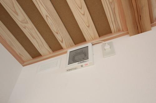 Q1住宅祐天寺完:成写真3 床下エアコン冷暖房簡単システム 1_e0054299_14055622.jpg