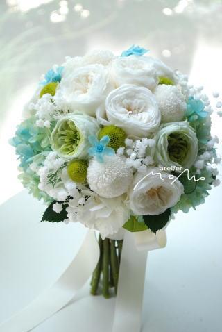丸っこいお花をあつめたクラッチブーケ♪_a0136507_21363891.jpg