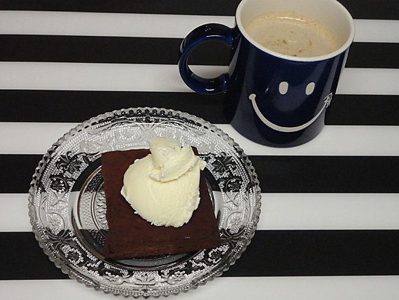 SHOZO CAFEの焼きチョコ_e0230011_21195156.jpg