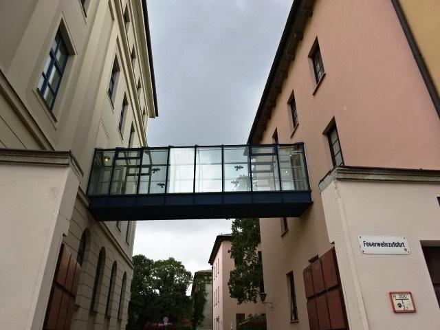 ドイツ:建物と建物をつなぐ渡り廊下(橋)のいろいろ